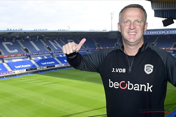 """Opvallende opvolger voor John van den Brom in de steigers? Ex-coryfee en analist reageert zelf: """"Als je op de Lotto speelt zal het ooit eens prijs zijn"""""""