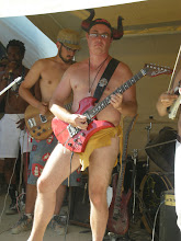 Photo: Pringles is Guitarzan!