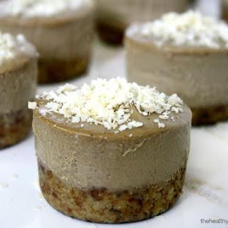Acai Berry and Banana Mini Cheesecakes (Raw, Vegan, Gluten-Free, Dairy-Free, Paleo-Friendly, No Refined Sugar).