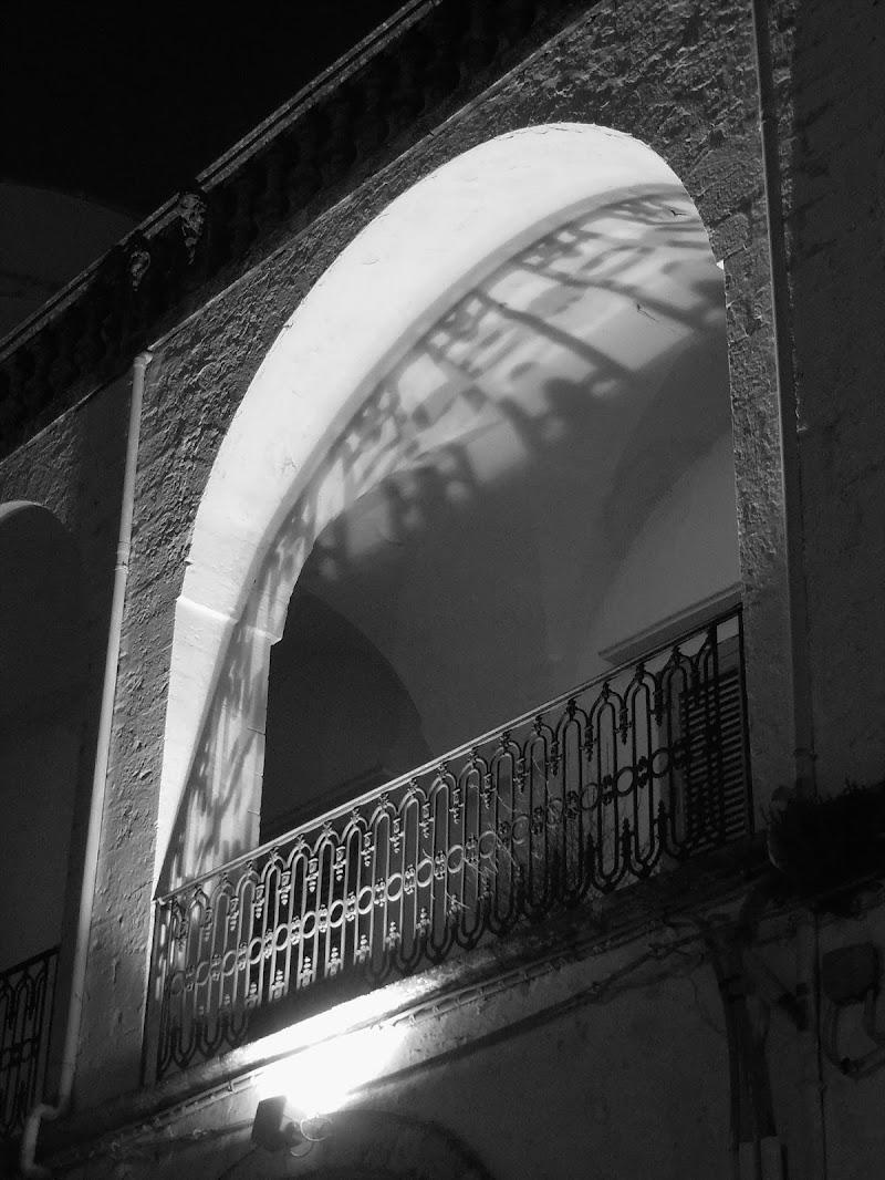 Balcone pugliese con ombra di Mar955