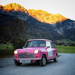 Pink Mini Italian Job Rally | Krys Kolumbus Travel
