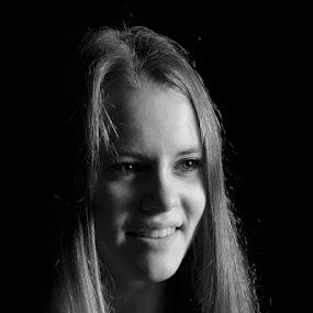Anne by Robert van Brug - People Portraits of Women ( cke, photoshoot, anne, classic lighting,  )