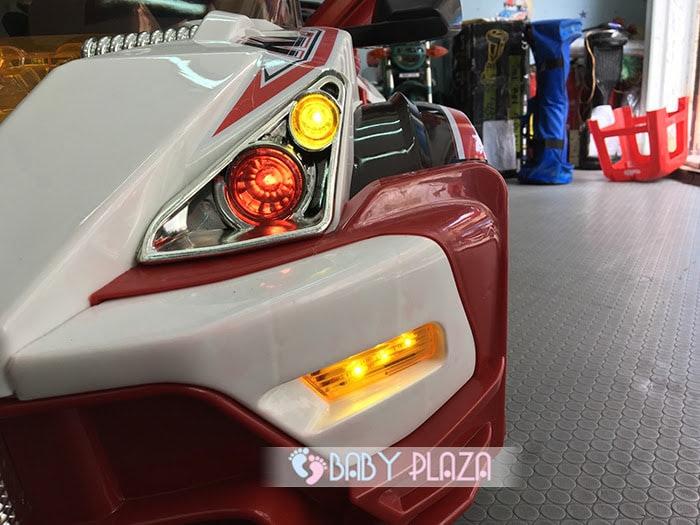 Xe ô tô điện dành cho bé WXE-8388 6