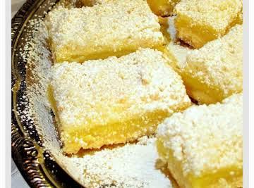 Streusel-Topped Lemon Shortbread Bars