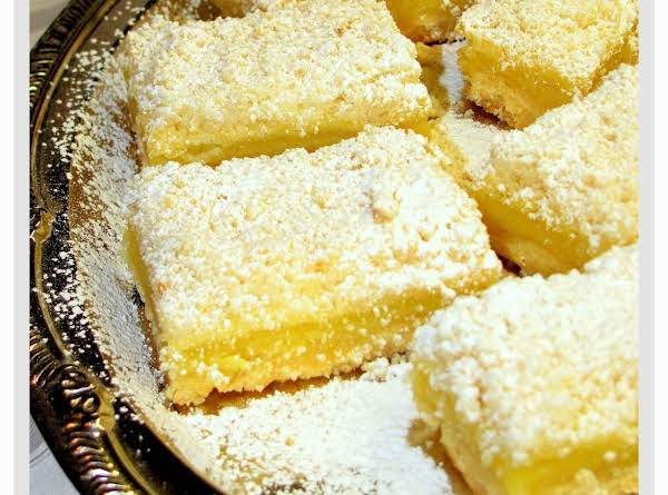 Streusel-topped Lemon Shortbread Bars Recipe
