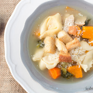 Slow Cooker Chicken and Vegetable Tortellini Soup