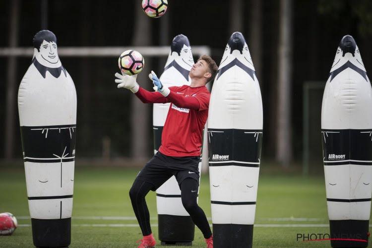 Mazzu kiest voor Coucke in doel en vergelijkt hem met Vukovic