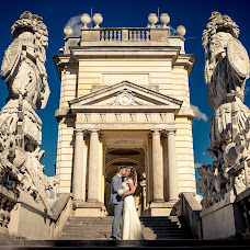 Wedding photographer Claudiu Murarasu (reflectstudio). Photo of 11.08.2016