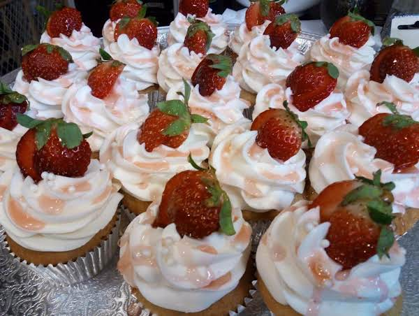 Strawberry Champagne Cupcakes Recipe