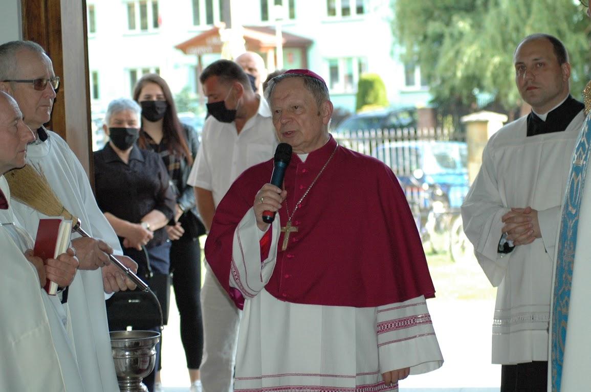 Ksiądz biskup wnaszej parafii