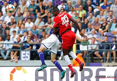 """Had Anderlecht een penalty moeten krijgen? """"Voor luchtduels wordt de lat hoger gelegd"""""""