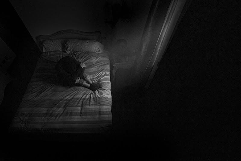 sola nel letto di gattoparty5