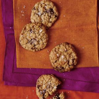 Salted Oatmeal Cookies with Dark Chocolate