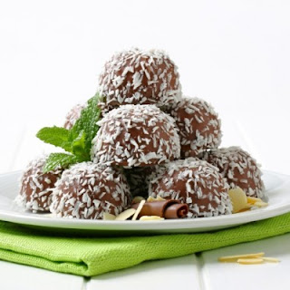 Easy, 3-Step Chocolate-Coconut Balls (Raw & Gluten Free).
