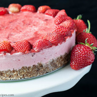No-Bake Strawberry Ice Cream Tart [Vegan, Gluten-Free]