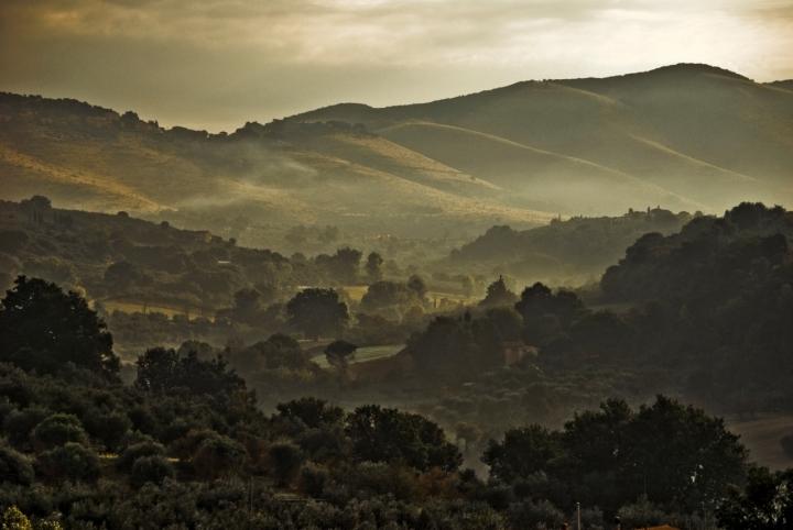 L'alba nelle campagne laziali di miyomo