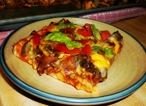Deluxe Bacon Cheeseburger Sheet Pan Pizza Recipe
