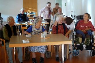 Photo: Gute Betreuung durch das Personal ( Mitte)