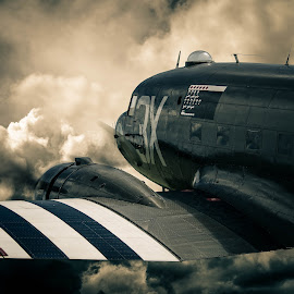 Into The Storm by Peter Rollings - Transportation Airplanes ( dekota, wwii,  )