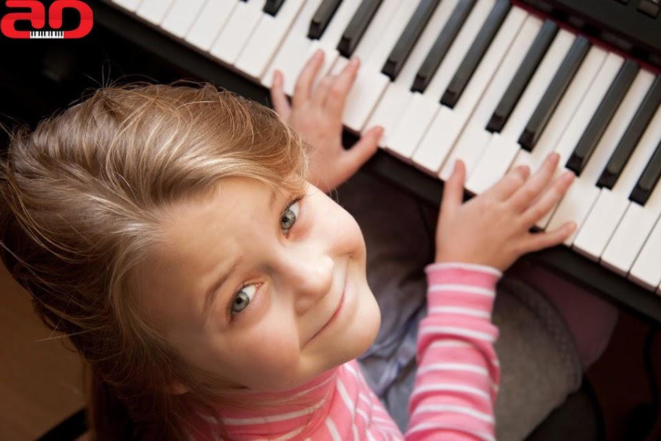 Bí Quyết Để Chọn Được Lớp Học đàn Piano Tốt Cho Bé
