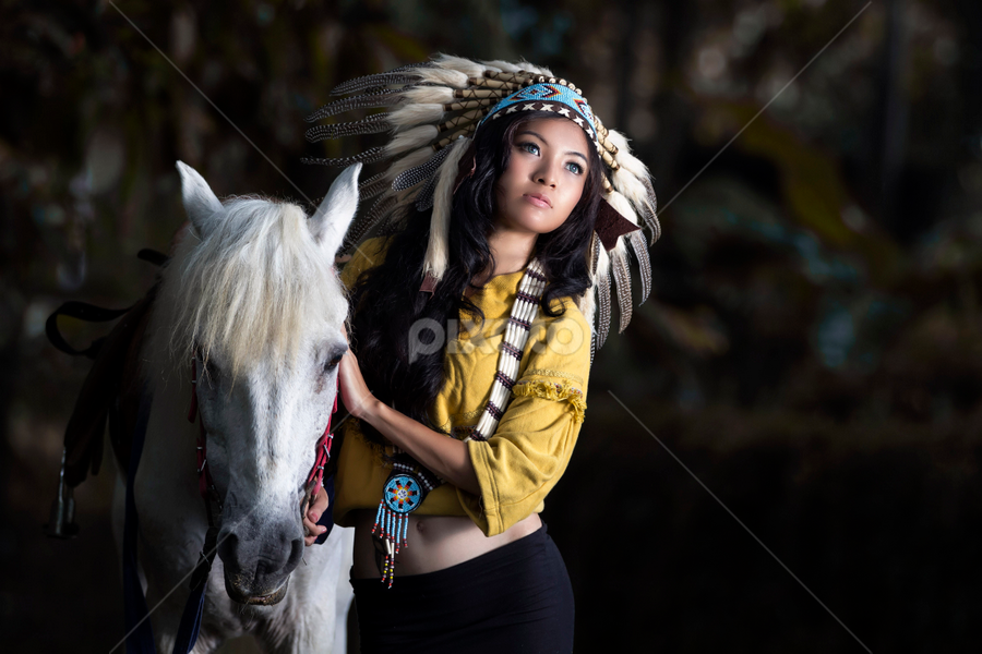 indian girl by Ivan Lee - People Fashion ( canon, indian girl, fashion, model, horse )