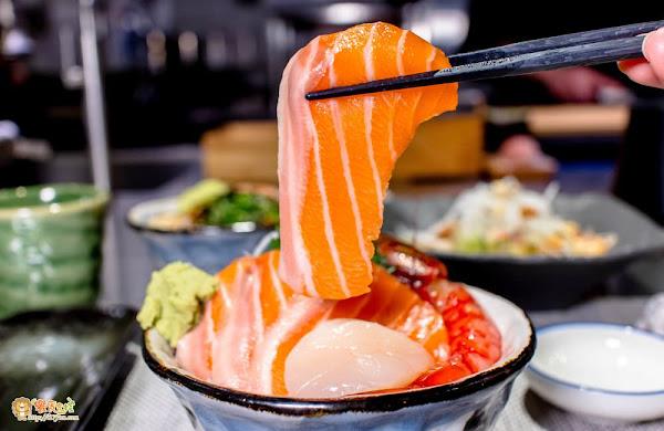 高雄超人氣平價丼飯! 42種丼飯套餐任您挑!海陸料理一次滿足~必點老闆私藏的這一道隱藏版握壽司?!