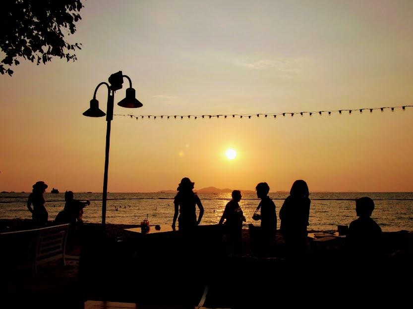 パタヤの思い出画像ラン島に沈む夕日