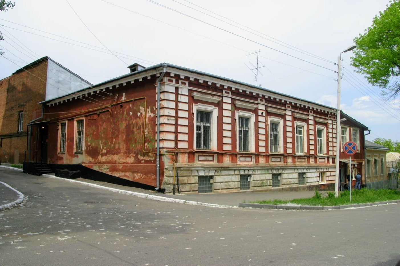 https://sites.google.com/site/istoriceskijtaganrog/dobrolubovskij-pereulok/dom-4