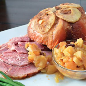 Slow Cooker Ham with Apple Sauce