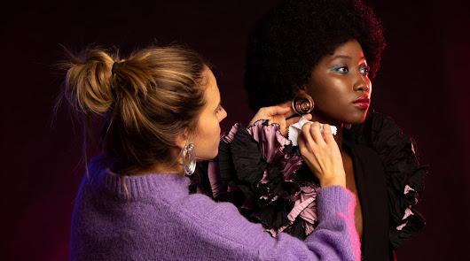 Laura pérez junto a la modelo que ha protagonizado Muse, la nueva colección de Lausett. Foto de Hormiguea.