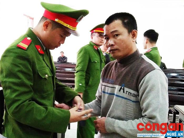 Đối tượng xâm hại con gái ruột tại huyện Nghi Lộc bị kết án 13 năm tù