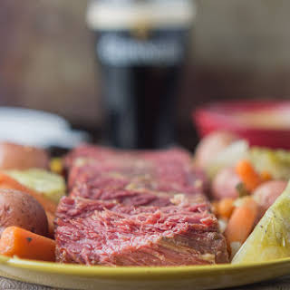 Slow Cooker Corned Beef With Cabbage and Potatoes.