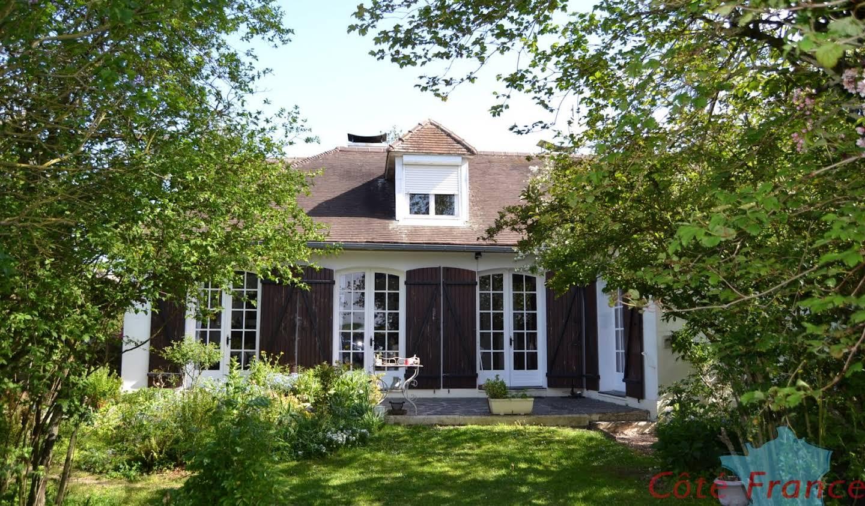 Villa avec terrasse Estourmel