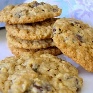 Gluten Free Almond Flour Oatmeal Chocolate Chip Cookies.