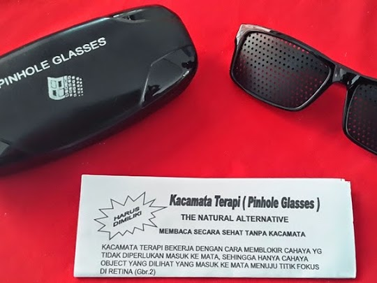kacamata terapi pinhole merupakan alat bantu UNTUK MENURUNKAN DAN MEMULIHKAN MATA MINUS, PLUS DAN SILINDER