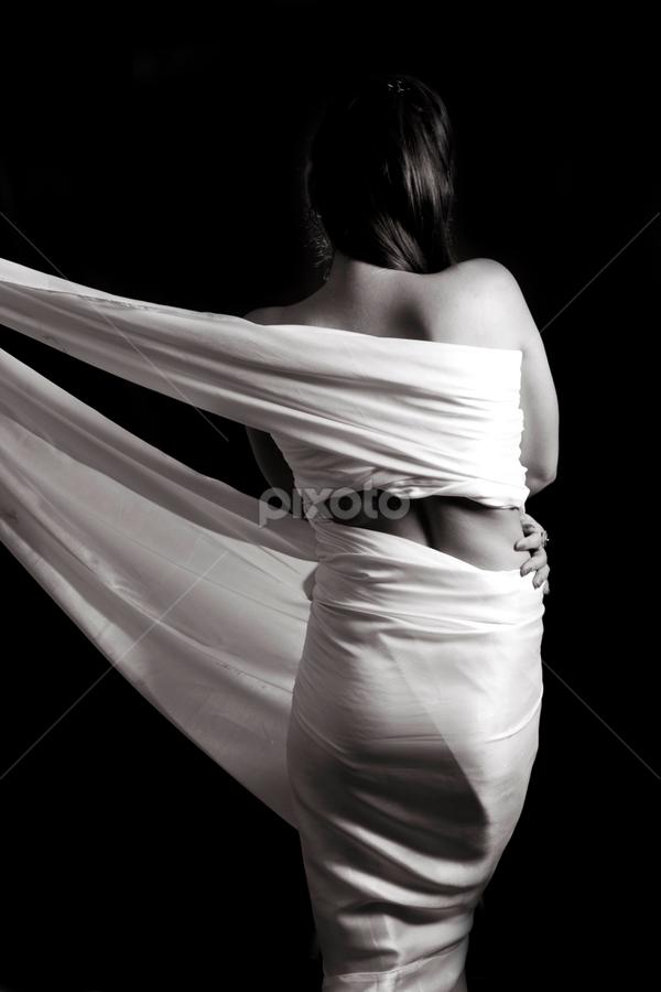 Wrapped by Anurag Bhateja - Nudes & Boudoir Boudoir ( body, wrap, cover, artistic wrap, black and white, woman, india )