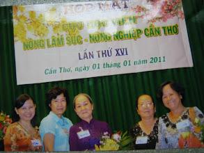 Photo: Trái sang : Mai, Kim Loan, Xinh, Kim Chi (CT), Kim Hạnh (CT)