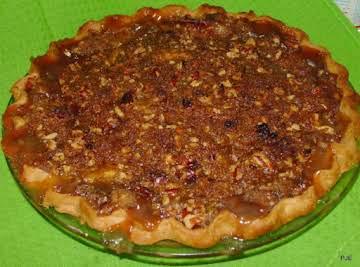 Pecan Praline Peach Pie