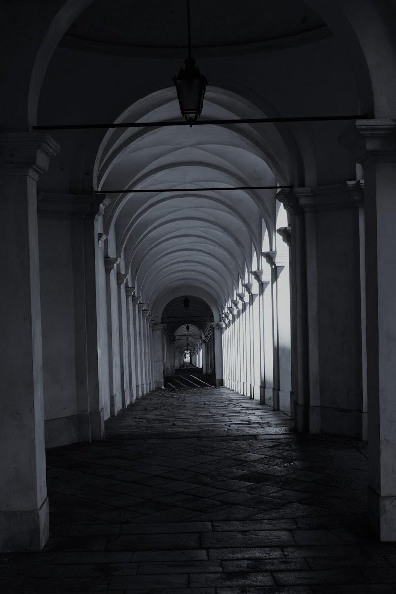 Tutta la simmetria dei portici di francesca_vigolo