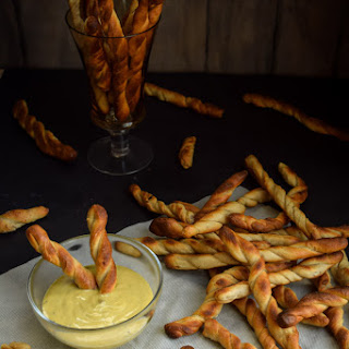 Sourdough Hard Pretzel Twists & Honey Mustard Onion Dip