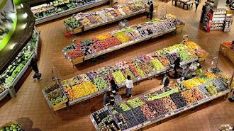 Los comercios que así lo decidan podrán abrir sus puertas con el horario que estimen más conveniente.