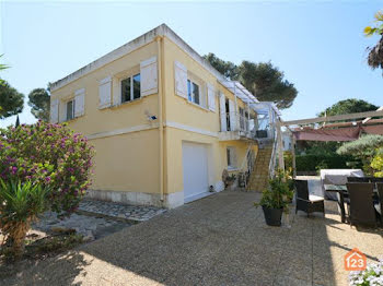 villa à Hyeres (83)
