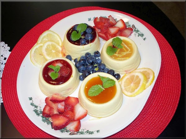 Before serving top with preserves and garnish with mint and fresh fruit.