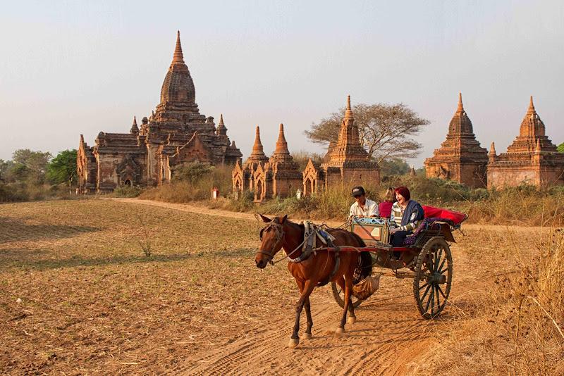tra gli stupa di Bagan di antonioromei