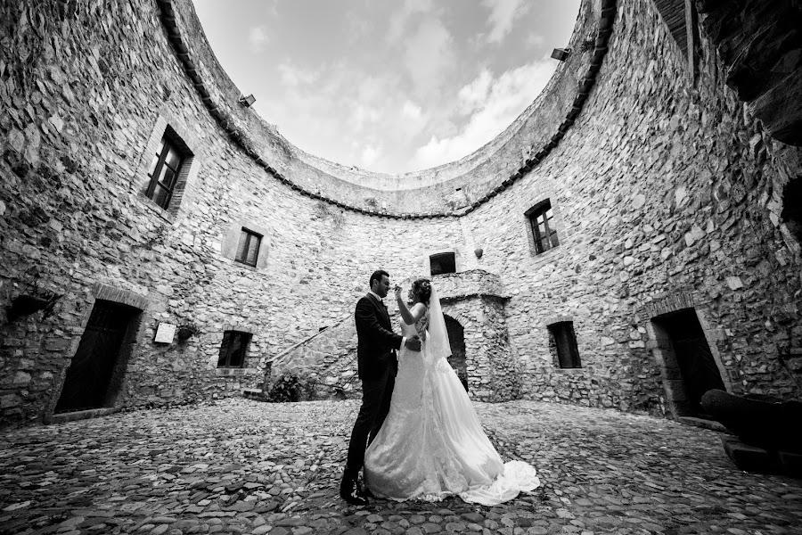 Wedding photographer Leonardo Scarriglia (leonardoscarrig). Photo of 21.12.2017