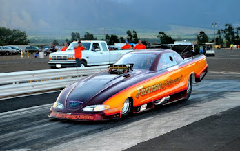 Photo: Another O'ahu car that showed up is this vintage mid/late-90s Mustang TAFC (top alcohol funny car). The owner/driver, Steve Obedoza, was making a series partial runs while undergoing competition licensing requirements.