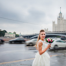 Wedding photographer Alena Kustova (easytolie). Photo of 15.07.2017