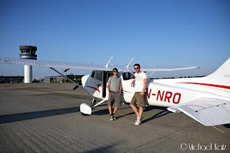 Photo: Michael, Ola og LN-NRO på Roskilde Lufthavn.