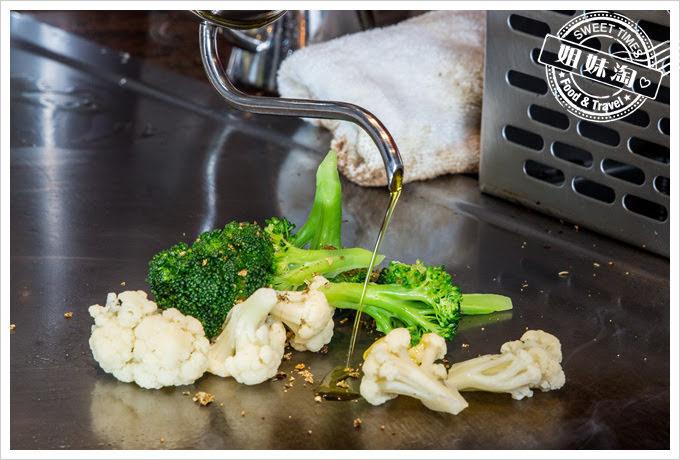 客萊絲鐵板燒香煎鮭魚排