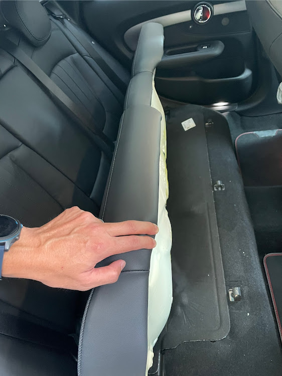 MINI クラブマン のMINI乗りさんと繋がりたい,消臭,掃除,ありがとうございました!,OXYCLEANに関するカスタム&メンテナンスの投稿画像1枚目